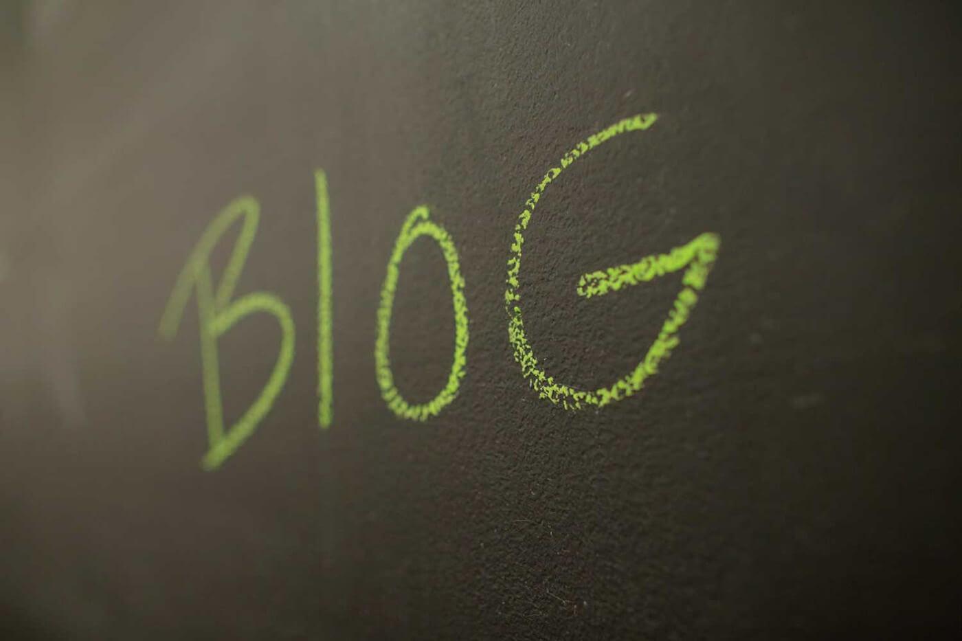 Existe una forma muy eficaz de aumentar el alcance de tu marca y crear unmayor engagement en los diferentes sitios y redes sociales que poseas: la creación de un blog.